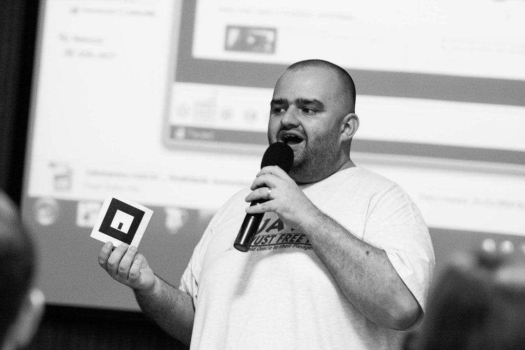 programador-Joel-Backschat